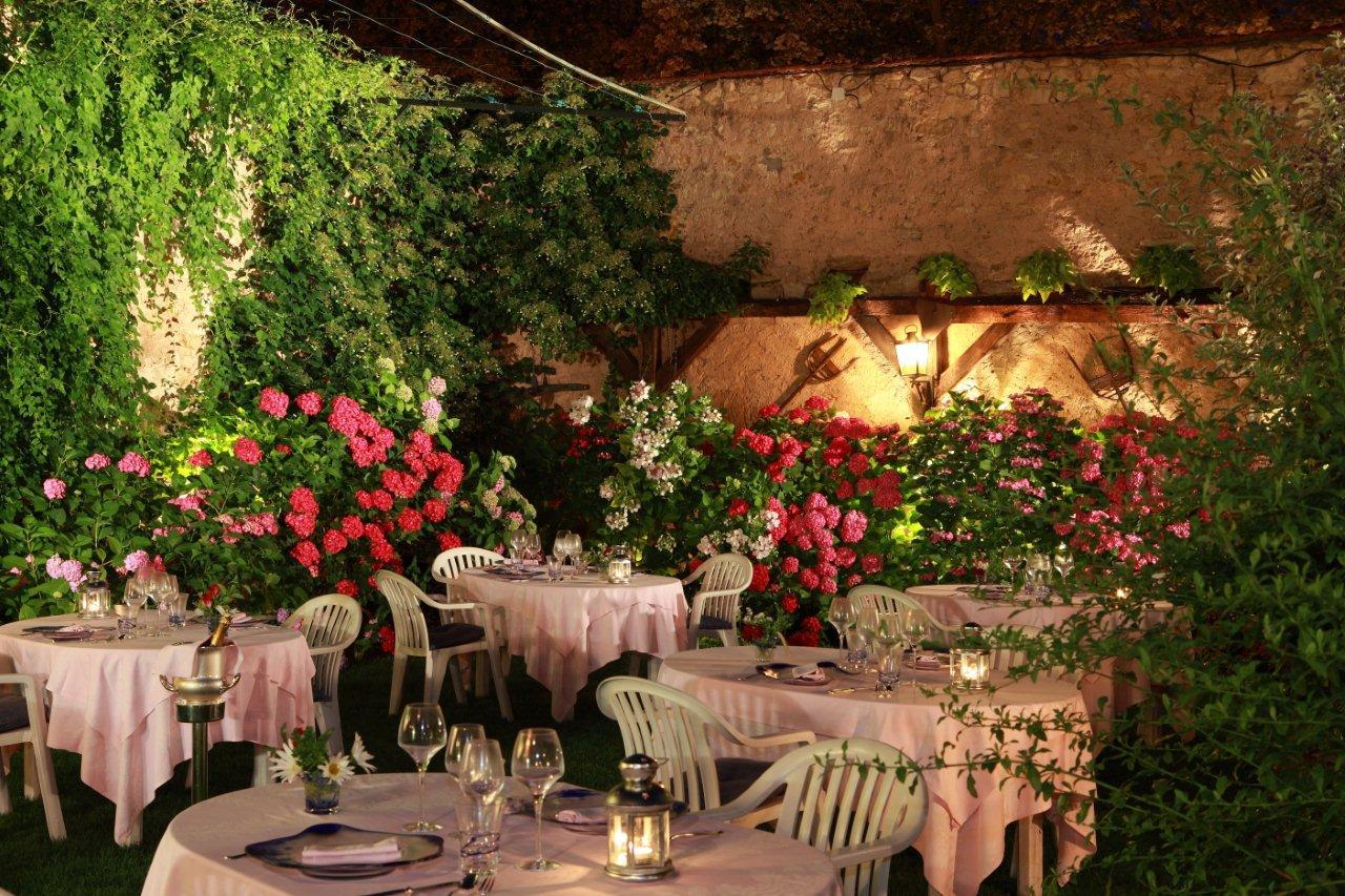 Passez un moment gourmand au jardin du restaurant à Haguenau.